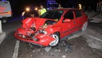 Amasya'da yolcu minibüsü ile otomobil çarpıştı: 13 yaralı