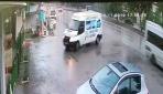 Düzcede minibüs kafeteryaya girdi: 2 yaralı