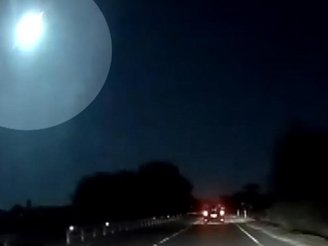 İtalya'ya meteor düştü