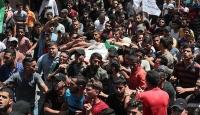 İsrail askerlerinin şehit ettiği Filistinliler son yolculuğuna uğurlandı