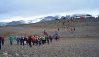 İzlanda'da ölen buzul için tören düzenlendi