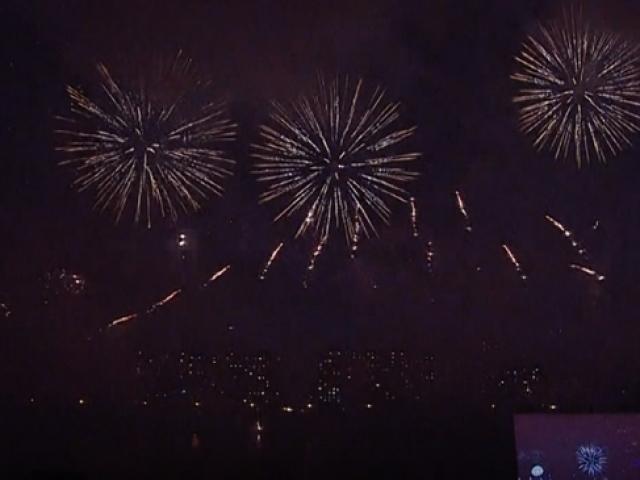 Rusya'da Havai Fişek Festivali izleyenleri büyüledi