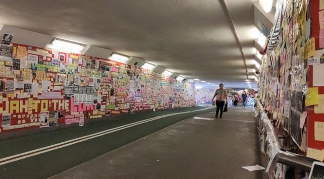 Hong Kongda protestolar Lennon Tüneliyle halka yansıyor