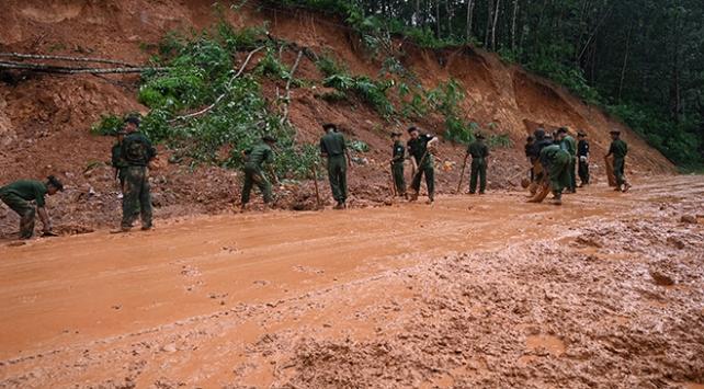Myanmarda toprak kayması: 82 ölü