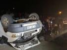 Düzensiz göçmenleri taşıyan minibüs devrildi: 43 yaralı