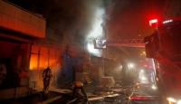 Başakşehir'de kozmetik deposunda yangın