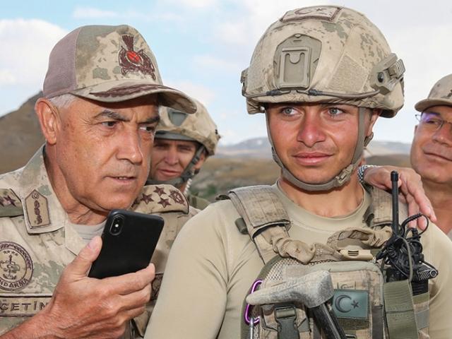 Jandarma Genel Komutanı Orgeneral Arif Çetin, Kıran Operasyonu bölgesinde