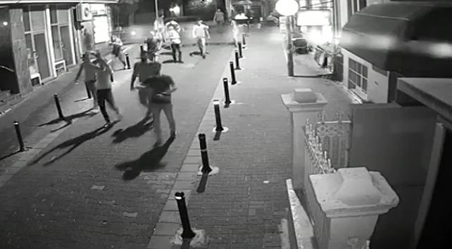 Kadıköyde bir vatandaşı bıçaklayan şüpheli HDP binasında yakalandı