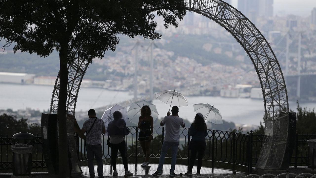 İstanbuldaki yağıştan kareler