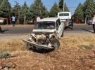Adıyaman'da minibüs ile otomobil çarpıştı: 12 yaralı