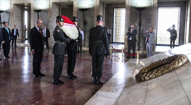 KKTC Başbakanı Ersin Tatar Anıtkabiri ziyaret etti