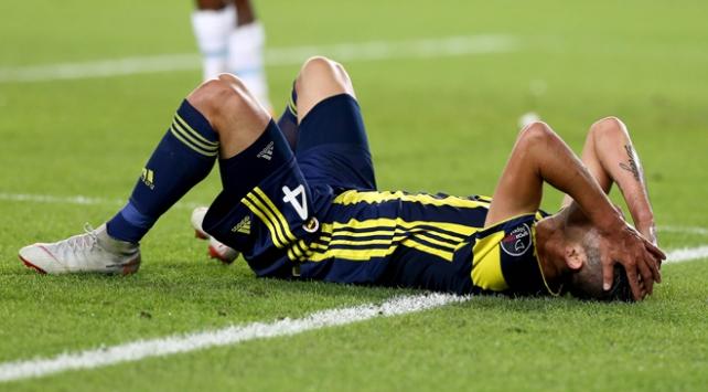 Fenerbahçenin Şilili sağ beki 1 ay forma giyemeyecek