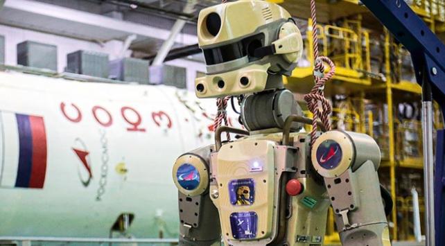 Rusya UUİ'ye insansı robot gönderdi
