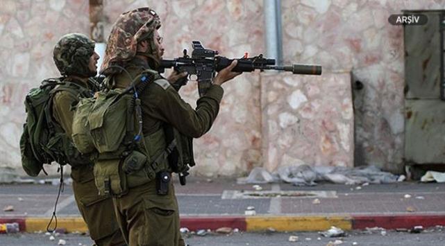İsrail ordusu Gazzede bir Filistinliyi yaraladı