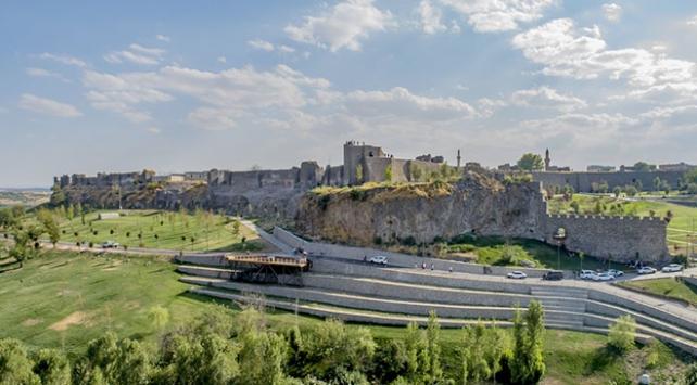 Diyarbakırın tarihi surları millet bahçesine kavuşuyor