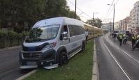 İstanbul'da minibüs tramvay yoluna girdi: Seferler durdu