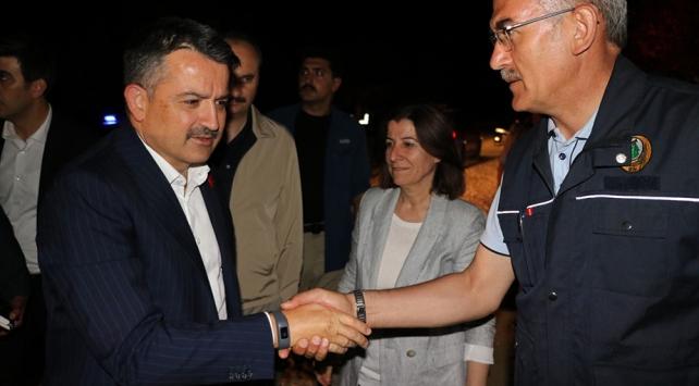 Bakan Pakdemirli Edirnedeki yangın bölgesinde inceleme yaptı