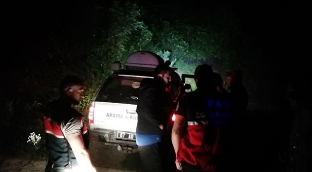 Zonguldakta kayalıklarda mahsur kalan 6 kişi kurtarıldı