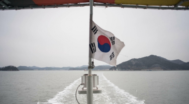 Güney Koreden ihtilaflı adalarda savunma tatbikatı
