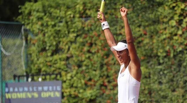 Milli tenisçi Çağla Büyükakçay Almanya'da şampiyon