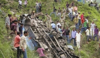 Cammu Keşmir'de otobüs kazası: 7 ölü