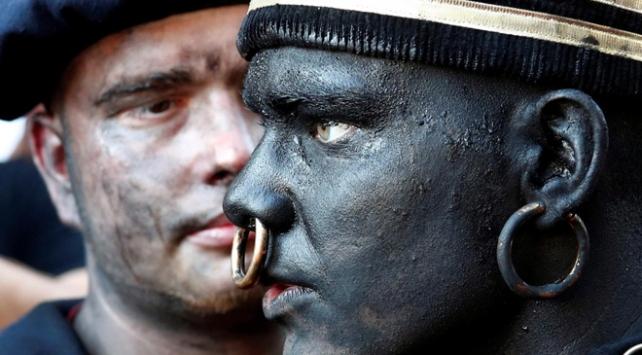 """Belçikada düzenlenen festivalde """"vahşi"""" karakteri tepki topladı"""