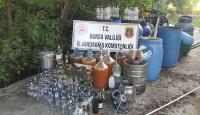 Bursa'da içki imalathanesine dönüştürülen eve baskın