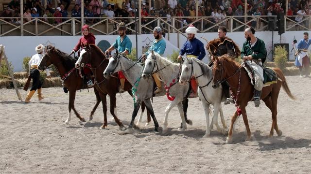 Kırgız Türkleri Malazgirt kutlamalarına renk katıyor