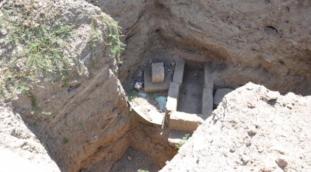 Sondaj çalışmasında mezarlar bulundu