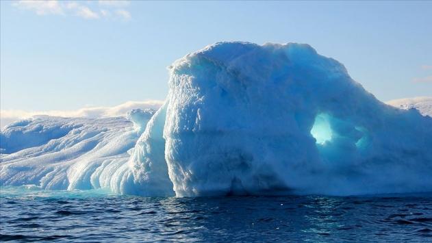 Grönland'da temmuzda 179 milyar ton buz eridi