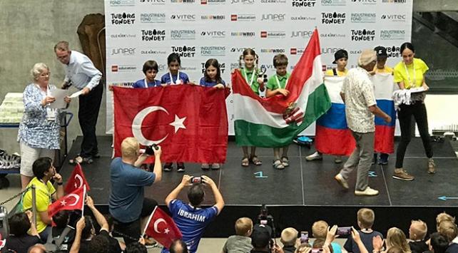 BİLSEM öğrencileri Dünya Robot Olimpiyatlarında ikinci oldu