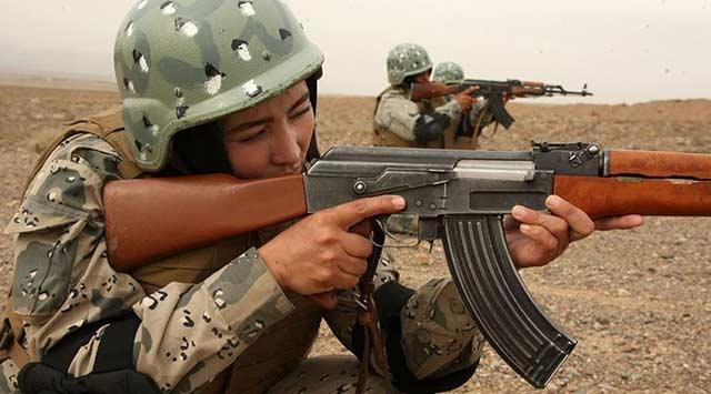 Afganistanda kadın polislere silahlı saldırı: 2 ölü