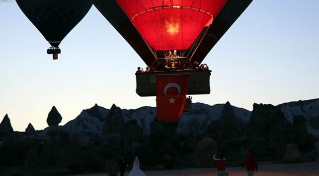 Kapadokyada Zafer Bayramı gökyüzünde kutlandı
