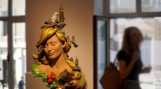 İstanbulun simgelerini tek heykelde topladı