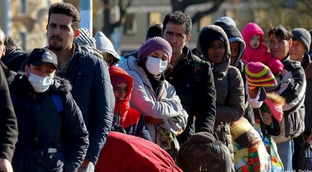 Almanyada mültecilere yönelik şiddet sürüyor