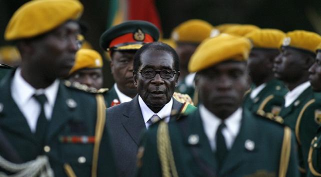 Portre: Zimbabveyi 37 yıl yöneten Robert Mugabe