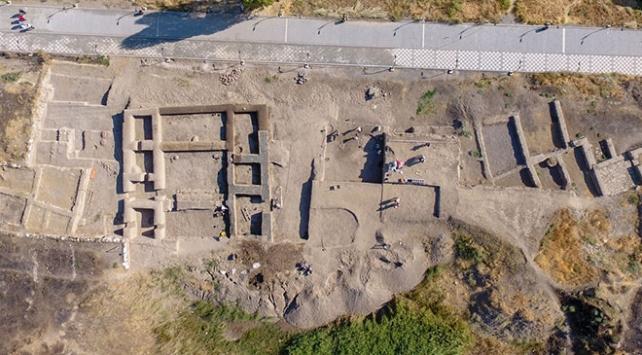 Vanda 5 bin yıl öncesine ait yapılar bulundu