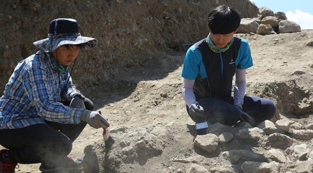 Koreli arkeoloji öğrencileri Çorumda tecrübe kazanıyor