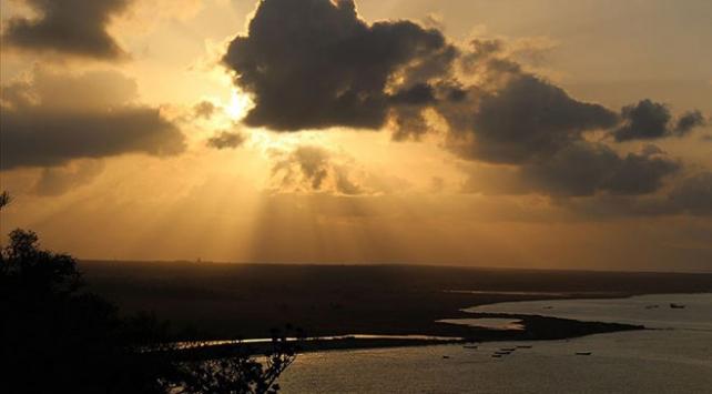 Yemenin Sokotra Adası sakinleri 4 gündür elektriksiz