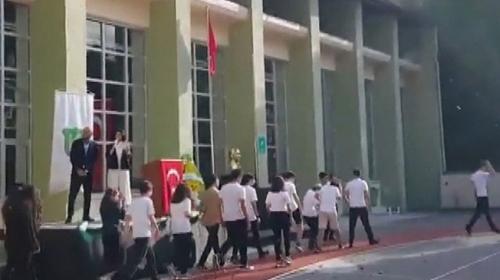 Kadıköy Anadolu Lisesinde simit atma görüntülerine inceleme