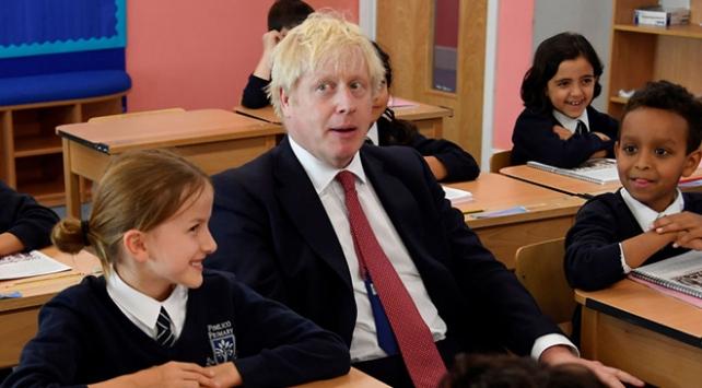 Boris Johnsondan 8 yaşındaki çocuklara tavsiye: Sarhoş olmayın
