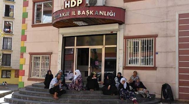 Diyarbakırdaki annelerin oturma eylemine Kocaeliden destek