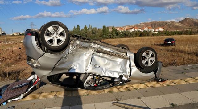 Sivasta iki otomobil çarpıştı: 5 yaralı