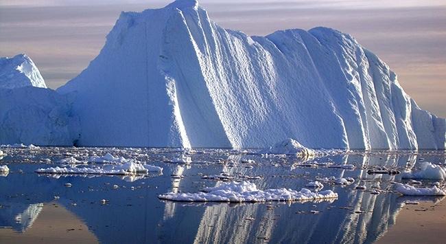Grönlandda buzul koptu: 1 ölü, 2 kayıp