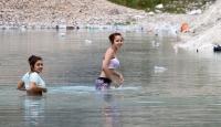 'Çamaşır Suyu'nda Yüzüyorlar