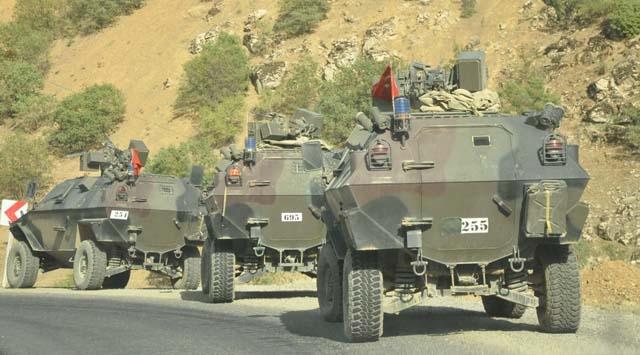 Hakkari'de güvenlik güçlerine taciz ateşi
