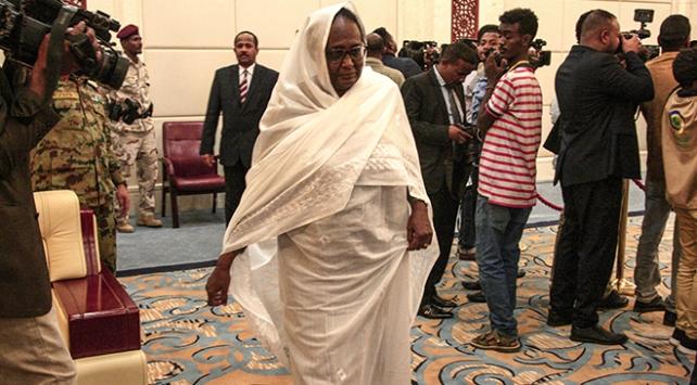 Sudanda ilk kadın dışişleri bakanı: Esma Muhammed Abdullah