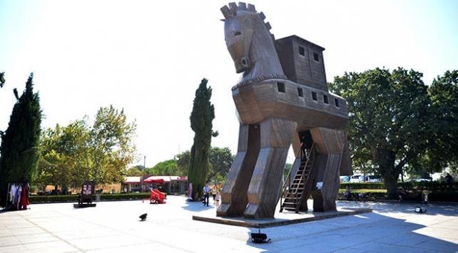 Troia 2 bin 500 yıl önce de turistlerin gözdesiydi