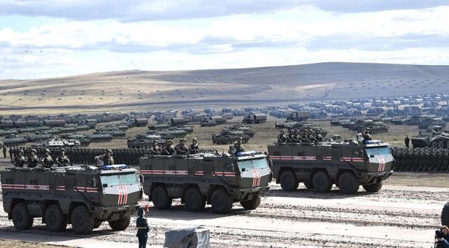"""Rusyanın """"Merkez-2019"""" tatbikatına 128 bin asker katılacak"""