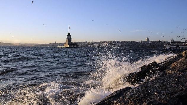 Marmara ve Kuzey Egeye kuvvetli fırtına uyarısı